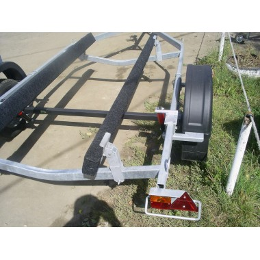 Ось для рессорной подвески для лодочного прицепа МЗСА 1B